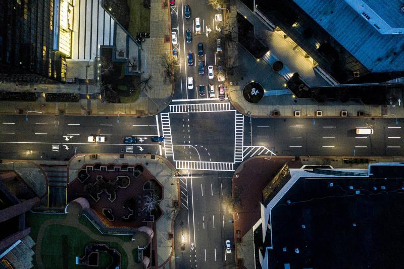 【新闻图片】昕诺飞与纽约州电力管理局合作,计划将该州50万套智能路灯接入网络-1.jpg