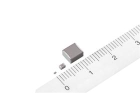 LED阻容降压用高压贴片电容 250V_105_1812封装