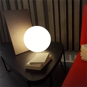 滚塑发光圆球灯创意网红餐厅装饰吊球酒店会所展厅布置道具